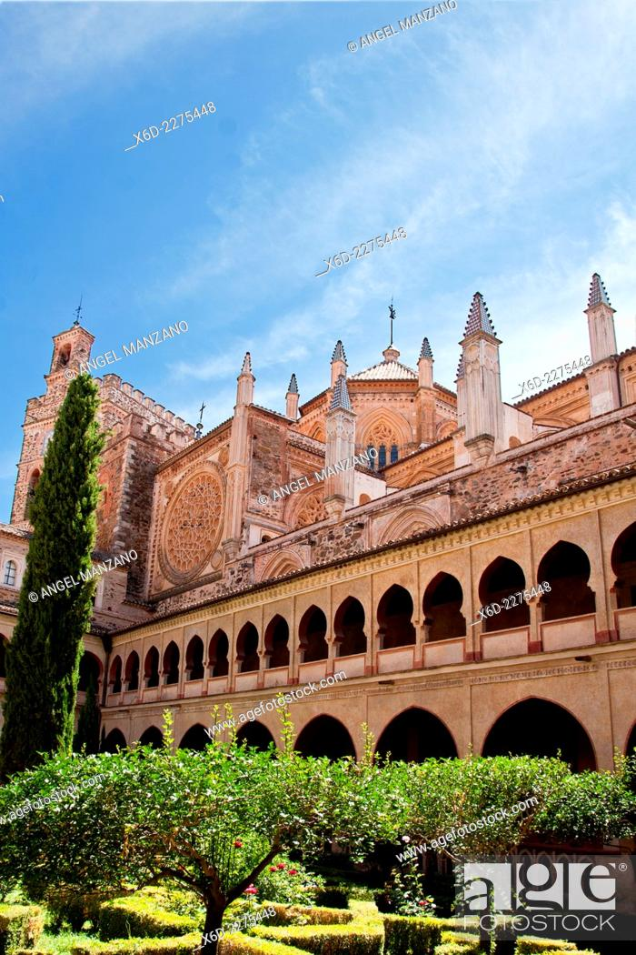 Stock Photo: Nuestra señora de Guadalupe cloister, UNESCO world heritage site, Guadalupe, Caceres.