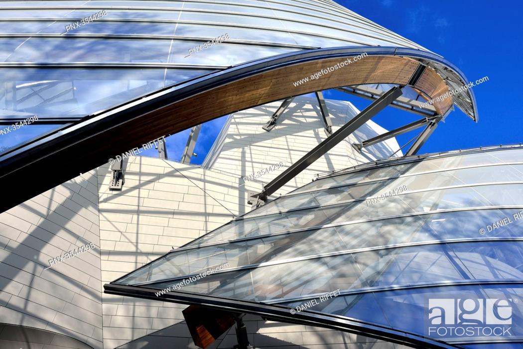 Stock Photo: France, Paris, Bois de Boulogne, Louis Vuitton Foundation, Mandatory credit: architect Frank Gehry.