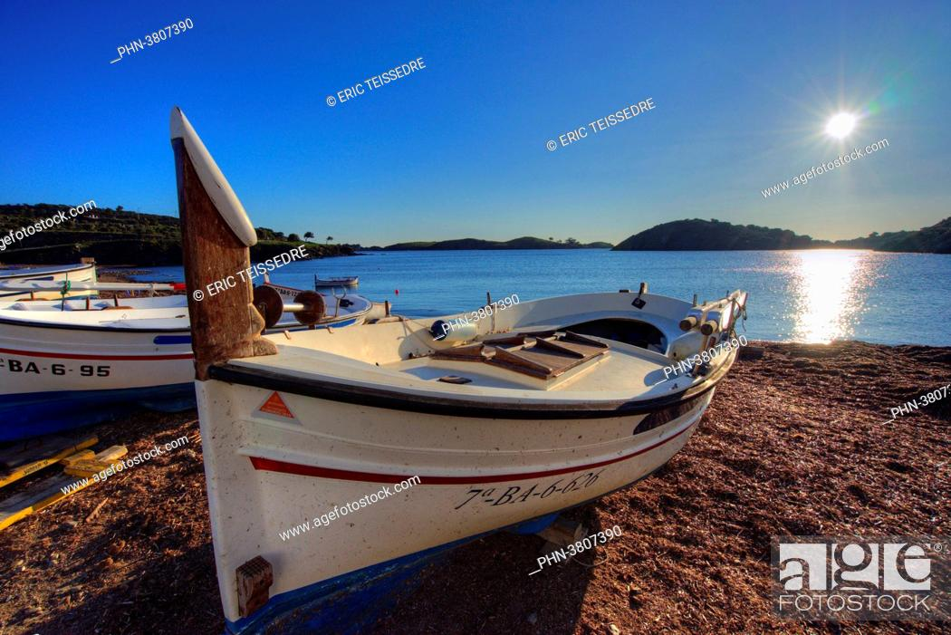 Stock Photo: Europe, Espagne, Catalogne, Costa Brava, Cadaques, The creek of Portlligat, is one of the most beautiful creeks of Costa Brava.
