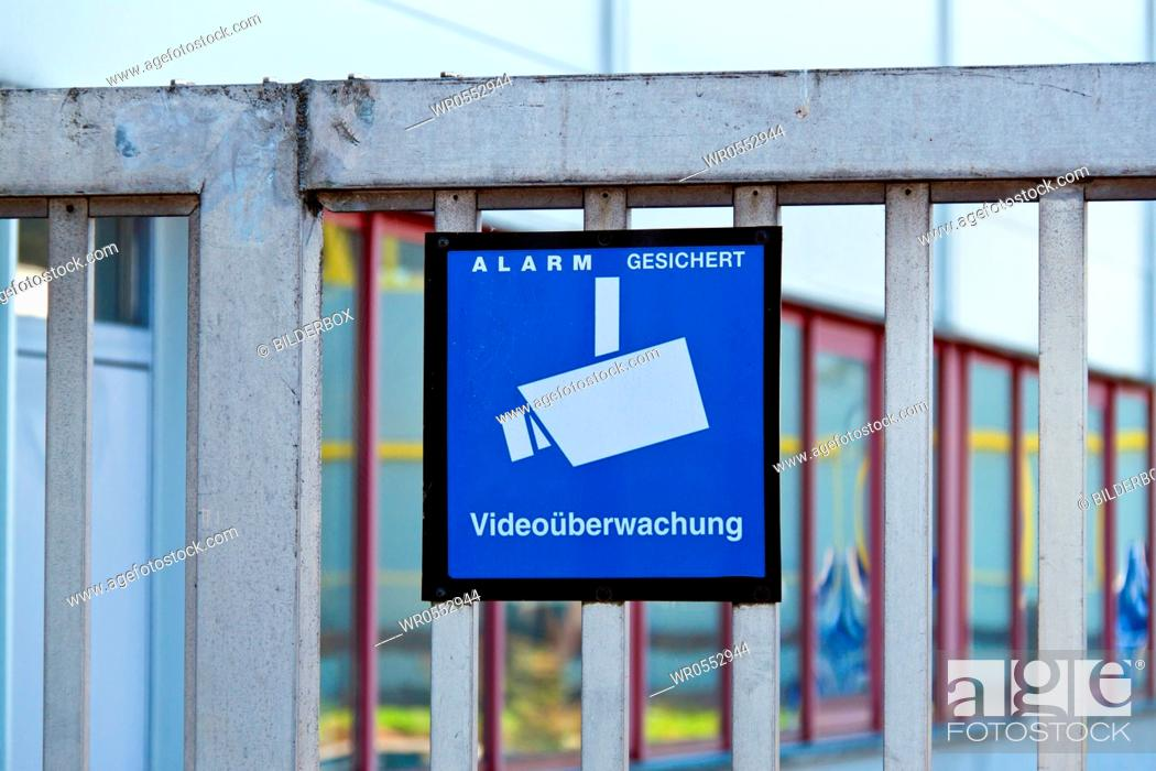 Imagen: The premises of a company is monitored by video.