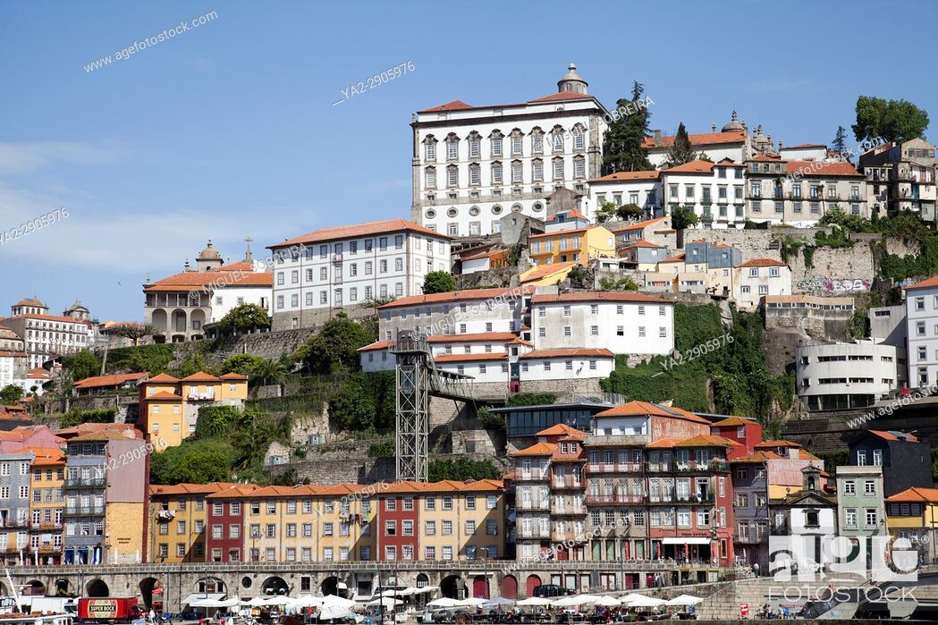 Imagen: Ribeira Buildings on River Douro inPortugal.