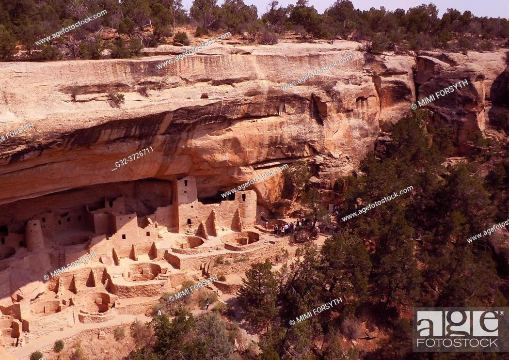 Stock Photo: ancient dwellings of the Anasazi, Mesa Verde, Colorado.