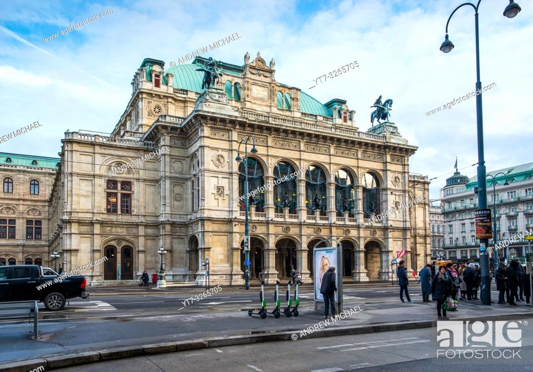 Stock Photo: State Opera House on Ringstrasse, Vienna, Austria.