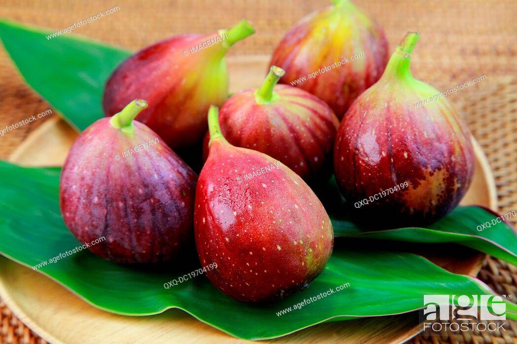 Imagen: Fresh figs.