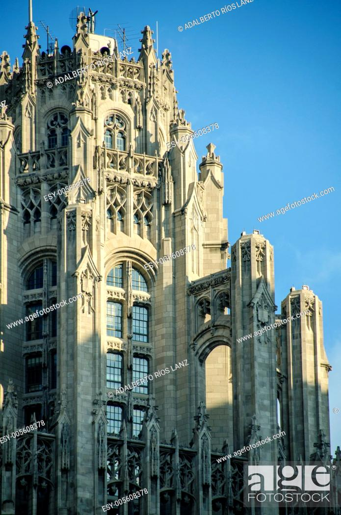 Stock Photo: Buttresses of the Tribune Tower Top in Chicago.