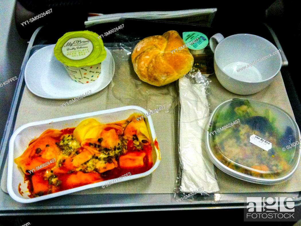 Imagen: Airspace, Europe. In flight meal during a flight from Amsterdam, Netherlands to Amman, Jordan. Inflight meals and diners are usually not considered to be the.