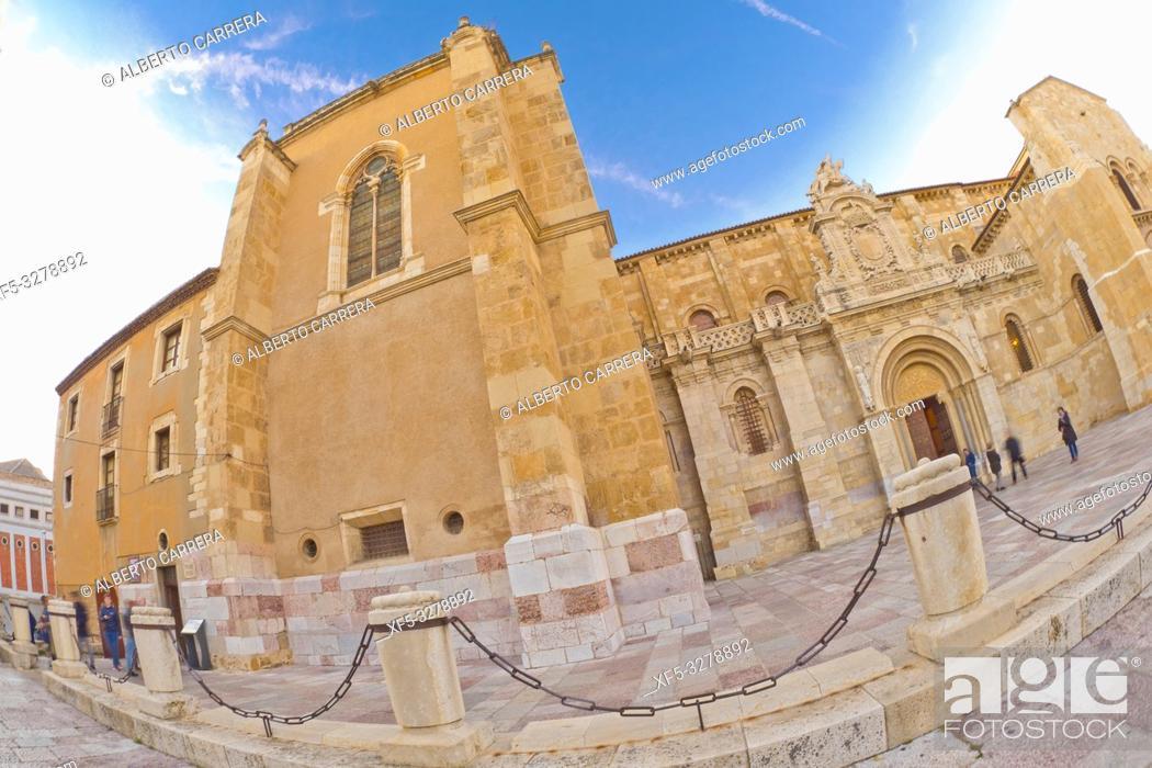 Imagen: Real Colegiata Basílica de San Isidoro, 11-12th Century Romanesque Style, León, Castilla y León, Spain, Europe.