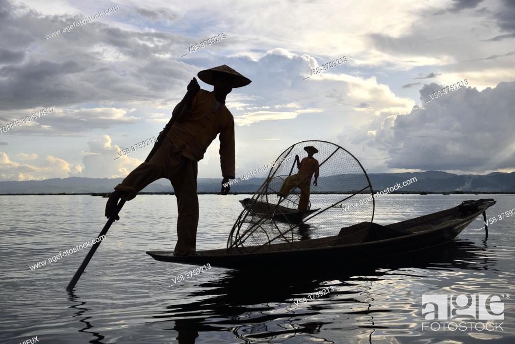 Stock Photo: Myanmar, Shan State, Inle Lake, Intha fishermen.