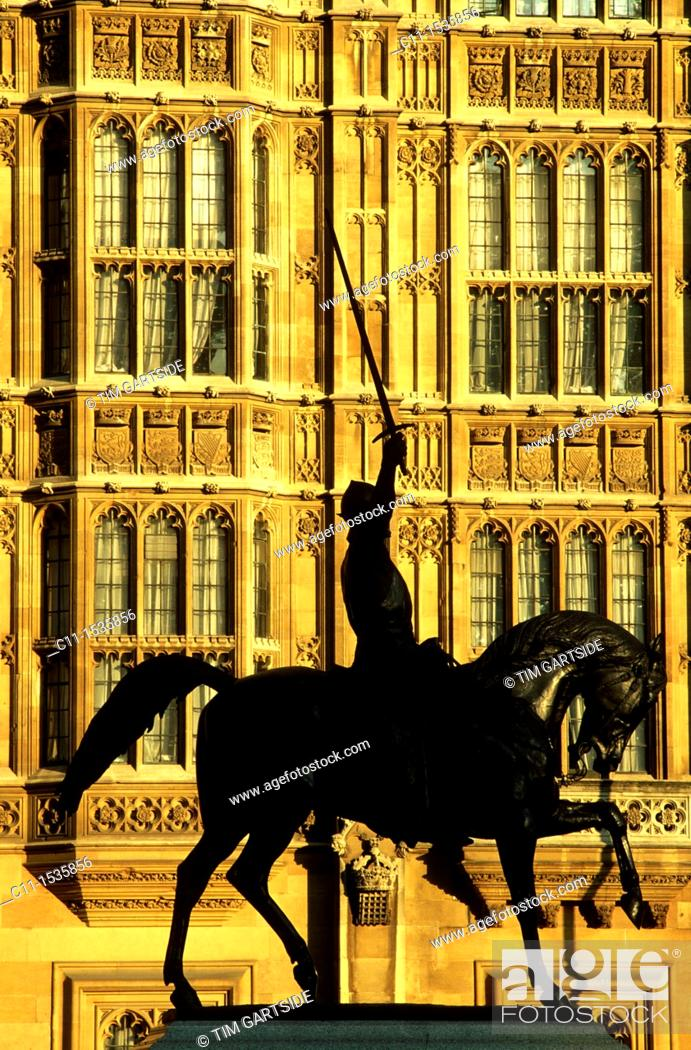 Stock Photo: Richard the Lionheart statue Houses of Parliament Westminster London UK.