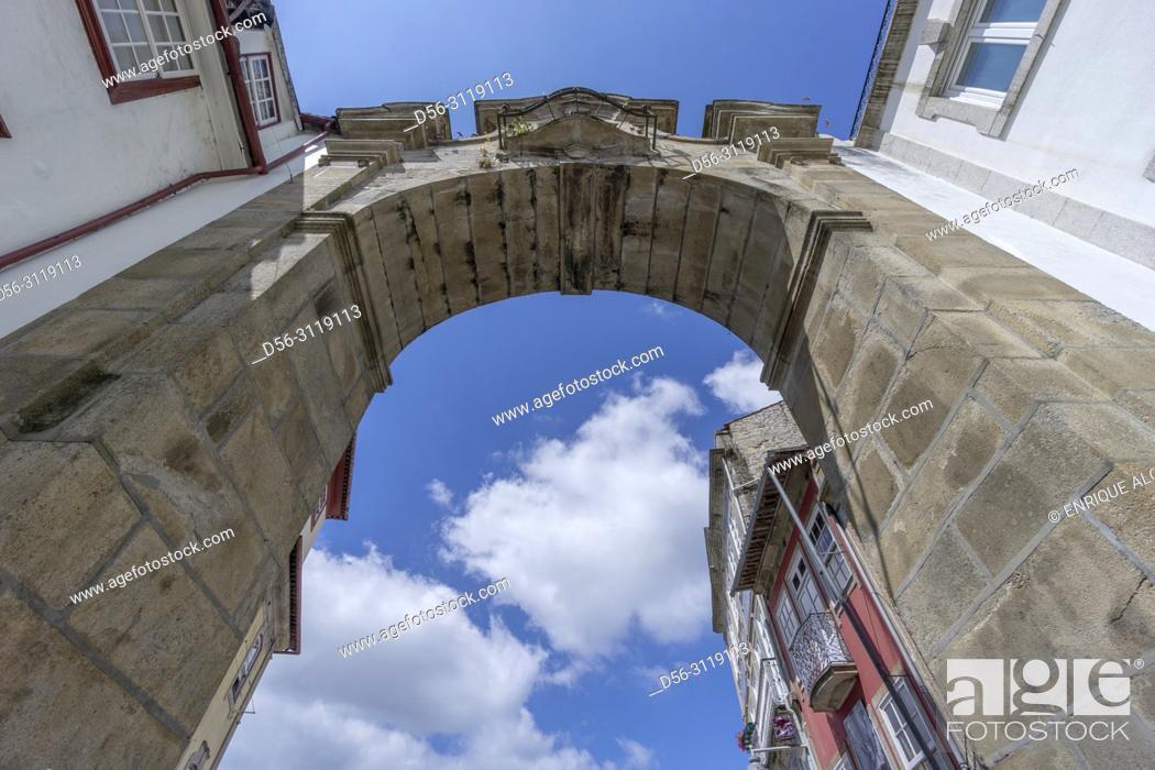 Stock Photo: Portugal, Minho, Braga, Arco da Porta Nova gate.
