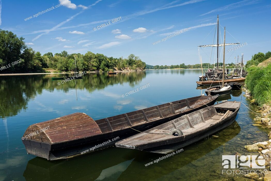 Stock Photo: France, Indre et Loire, Loire Valley, Brehemont, traditional river boats gabare on the Loire river.
