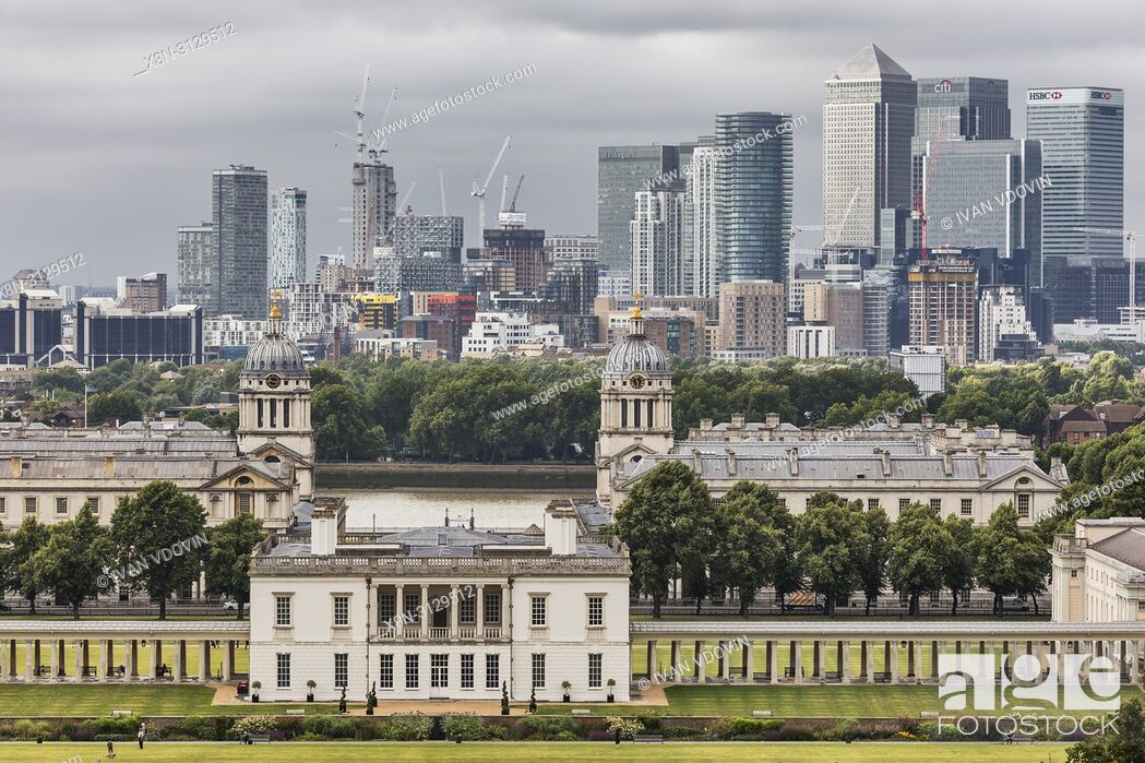 Stock Photo: Queen's House and Canary Wharf, cityscape from Greenwich hill, Greenwich, London, England, UK.