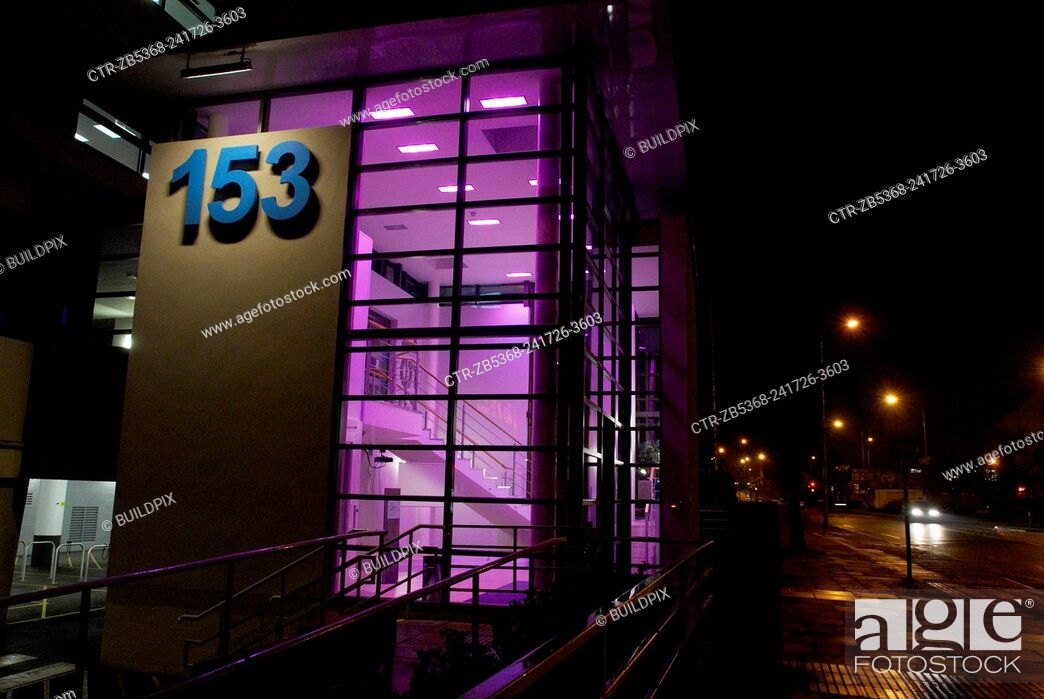 Imagen: Modernised office entry at night, Ipswich.