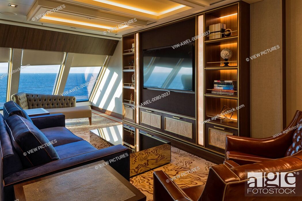 Imagen: The Genting Dream is a very high spec luxury cruise ship for the Chinese market.