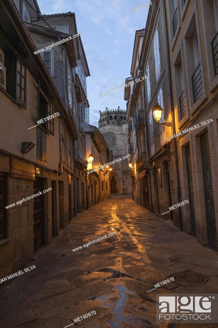 Stock Photo: Streets of downtown Ourense at dawn, Galicia, Spain.