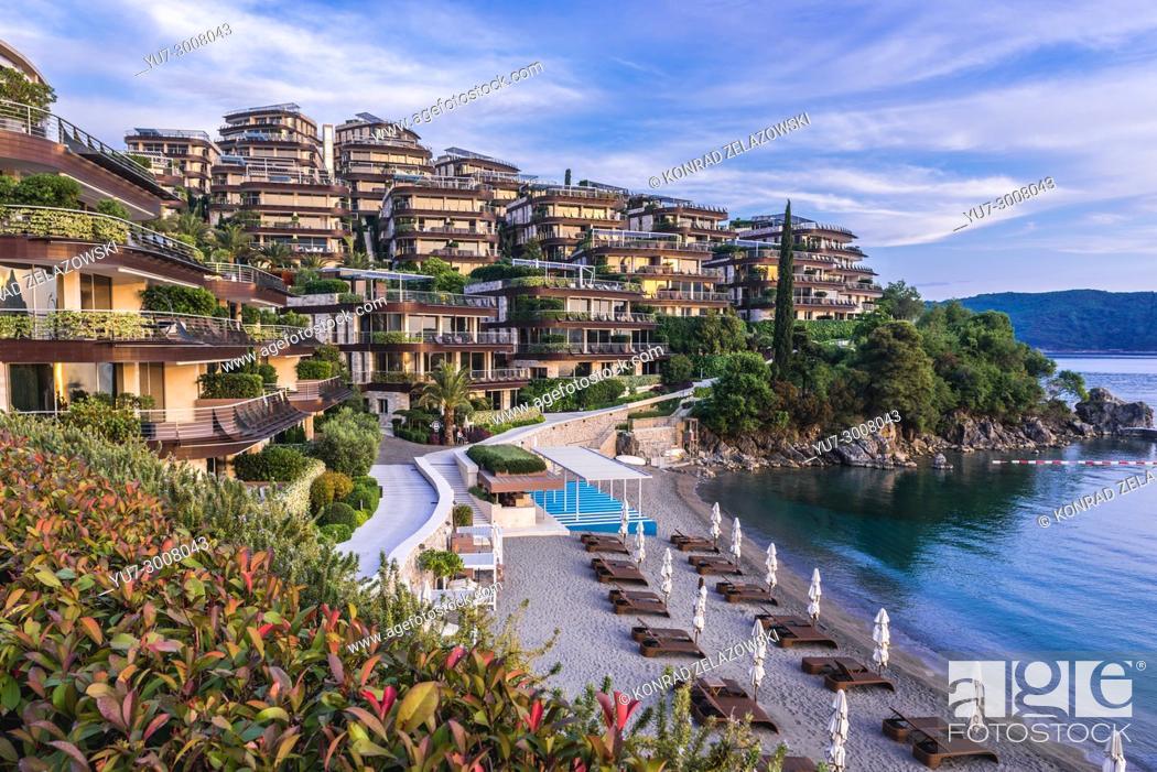 Imagen: Dukley Gardens Residential Complex on Zavala Peninsula in Budva city on the coast of Adriatic Sea in Montenegro.