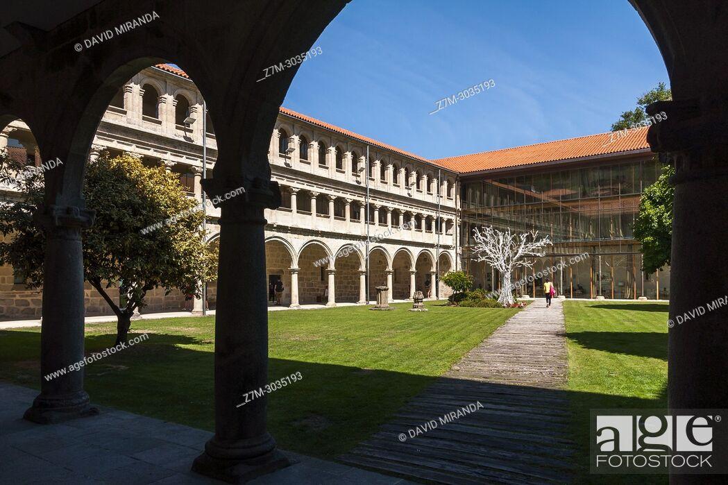 Stock Photo: Cloister. Monasterio de San Estevo de Ribas de Sil (parador de turismo). Ourense. Galicia. Spain.