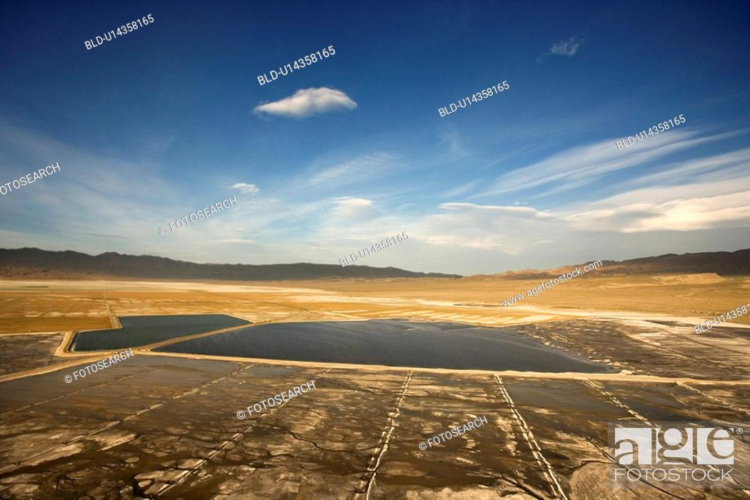 Stock Photo: Owens Valley alkali flat in California, USA.
