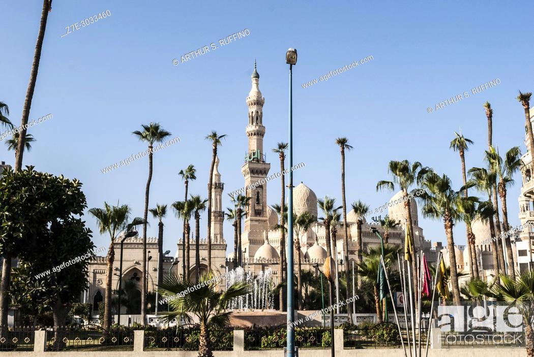 Stock Photo: Mosque Square (Midan el Masaged), Abu al-Abbas al-Mursi Mosque, Alexandria, Egypt.