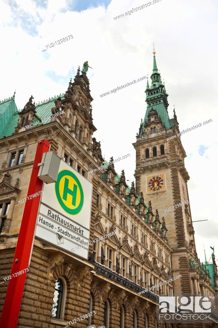 Stock Photo: Town Hall of Hamburg and undergound sign of Rathausmarkt station.