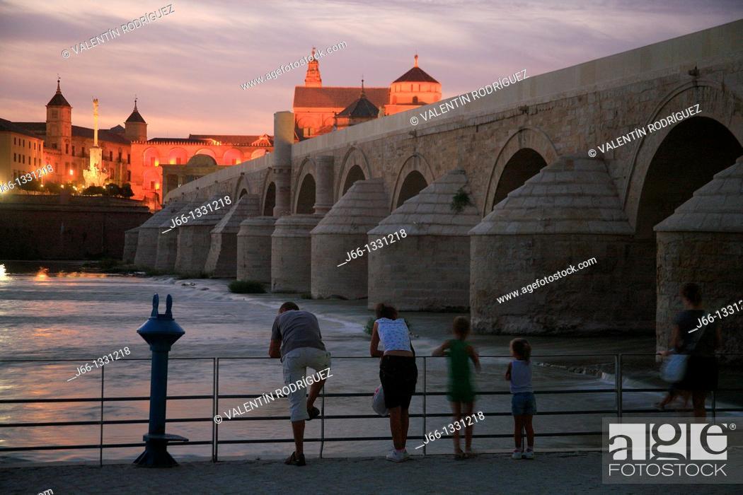 Stock Photo: Roman bridge over the Guadalquivir river, Cordoba, Andalusia, Spain.