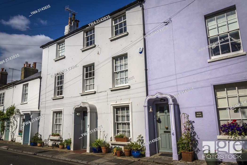 Photo de stock: Worthing, Posh row of houses in Warwick Place, West Sussex, England, UK.