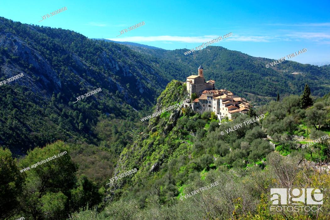 Stock Photo: Peillon, Vallee du Paillon, Alpes-Maritimes, Cote d'Azur, 06, France.