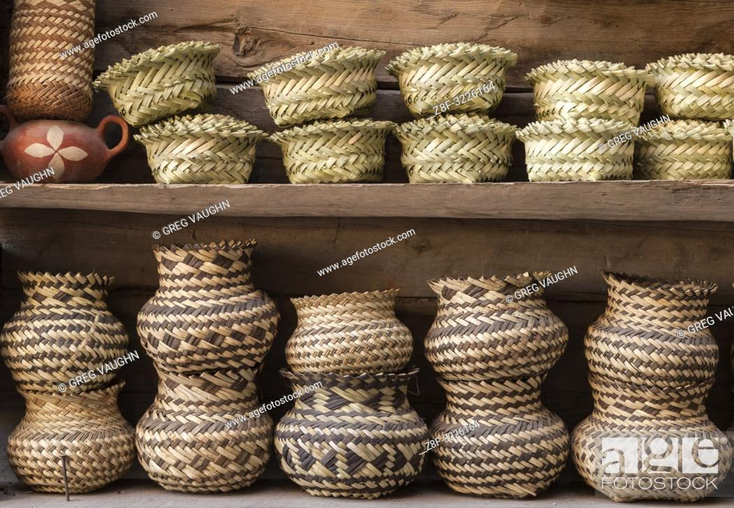 Imagen: Tarahumara woven baskets; Copper Canyon, Chihuahua, Mexico.