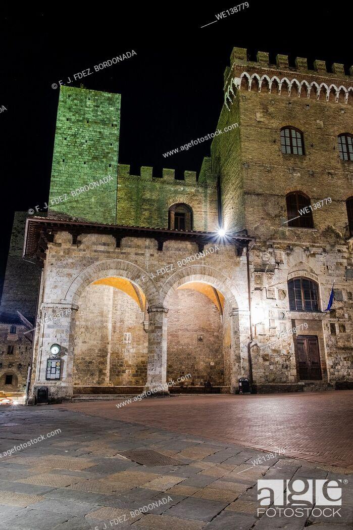 Stock Photo: Piazza del Duomo, SanGimignano, Medieval Village, Tuscany, Italy.