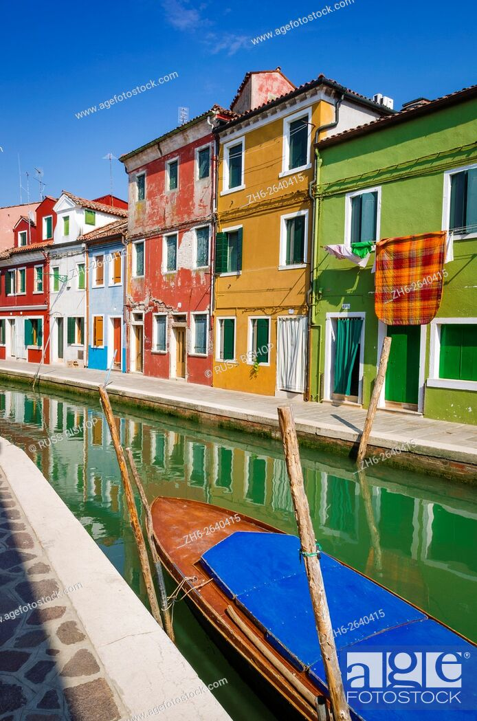Imagen: Colorful houses and canal, Burano, Veneto, Italy.