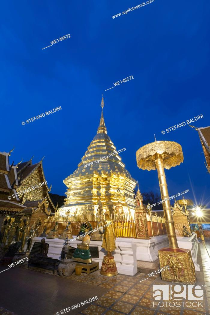 Imagen: Wat Phra That Doi Suthep temple at night, Chiang Mai, Thailand.