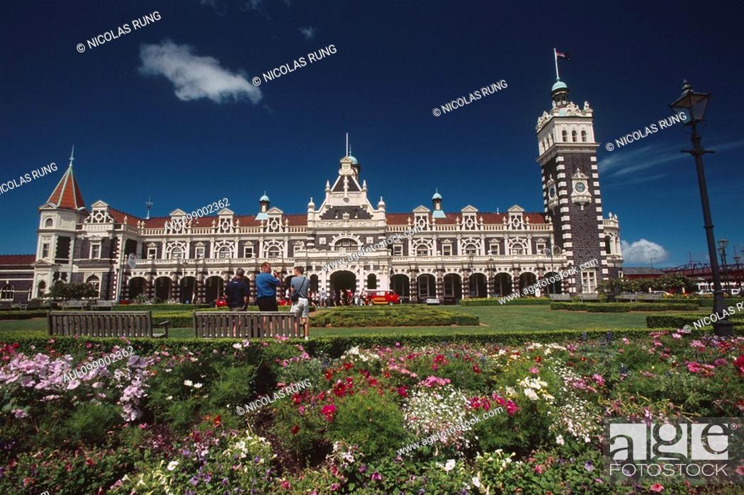 Stock Photo: New Zealand - South Island - Otago - Dunedin - station 1906.