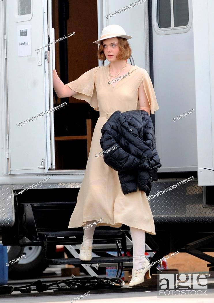 """Imagen: Actress Elle Fanning gets into character with vintage 1920's attire for a scene in """"""""Live By Night"""""""" filming in downtown Los Angeles with co star Ben Affleck."""