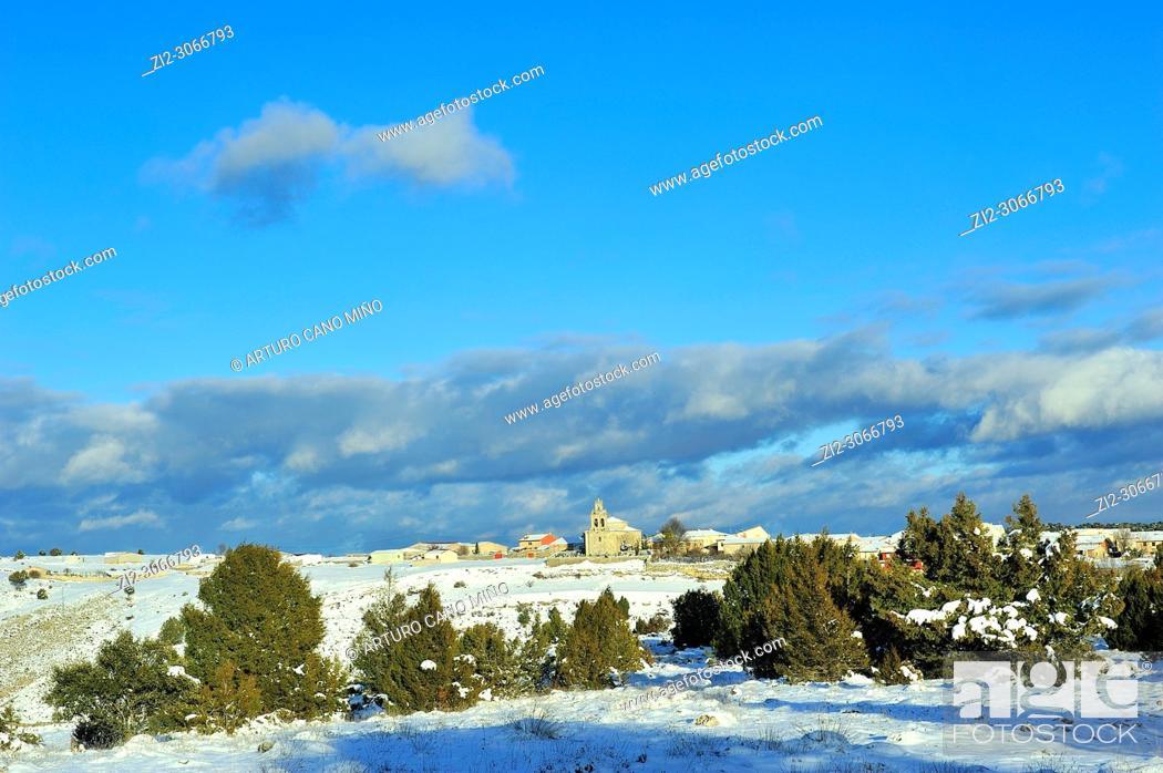 Imagen: Snowed landscape. Alto Tajo Natural Park, Huertahernando town, Guadalajara province, Spain.