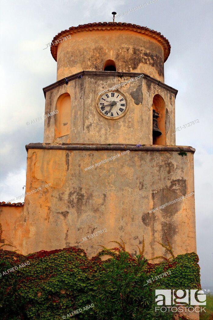 Imagen: clock, basilica of San Biagio, Maratea, Basilicata, Italy.