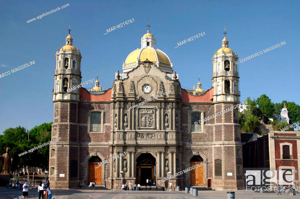 Stock Photo: mexico, mexico city, basilica of our lady of guadalupe.