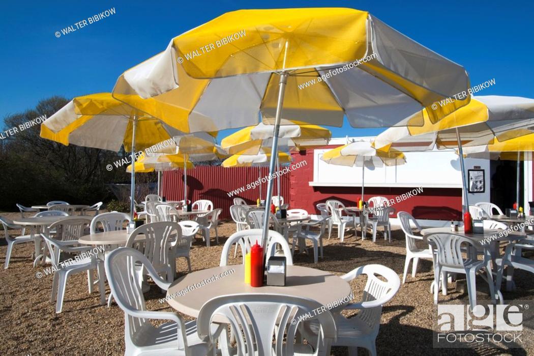 Stock Photo: USA, New York, Long Island, The Hamptons, Amagansett, outdoor seafood restaurant.
