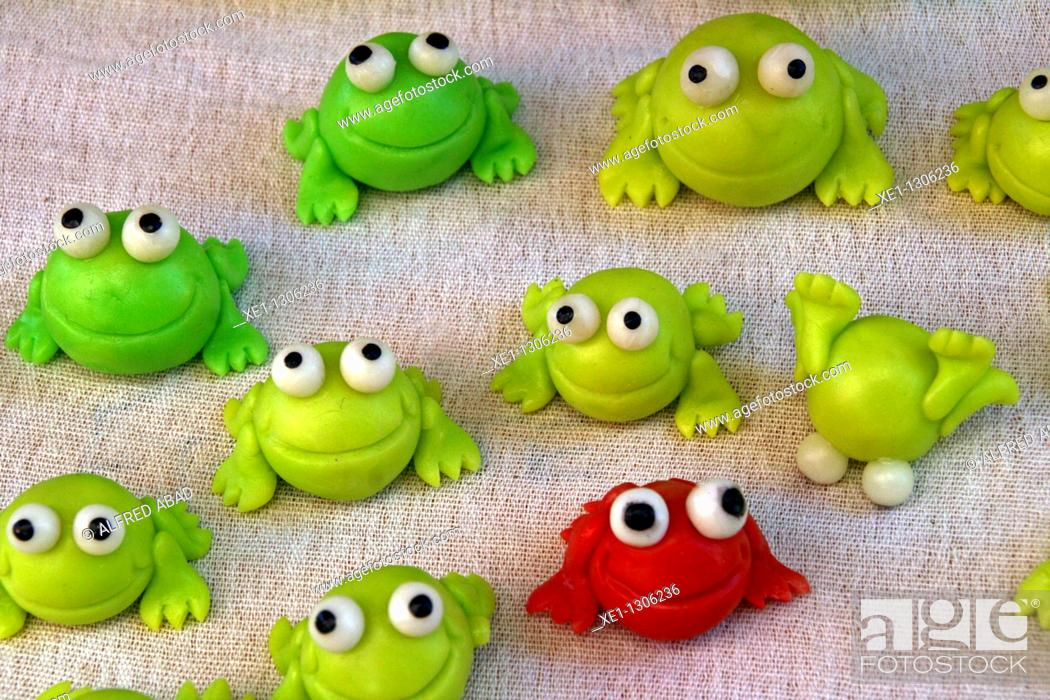 Stock Photo: little green frogs.