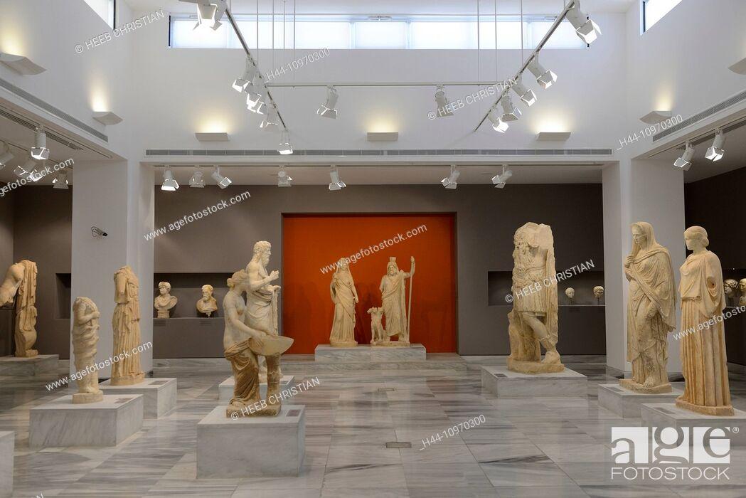 Stock Photo: Europe, Greece, Greek, Crete, Mediterranean, island, Heraklion, Iraklio, Archaeological Museum, museum, art, figures.
