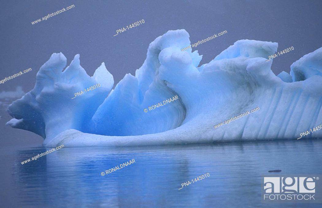 Imagen: Iceberg, Southern Ocean, Antarctica.