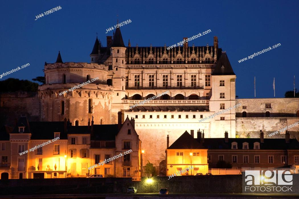 Stock Photo: Europe, France, Loire Valley, Loire, Amboise, Amboise Castle, Chateau d' Amboise, Castle, Castles, Loire River, River, Reflection, Night View, Illumination.