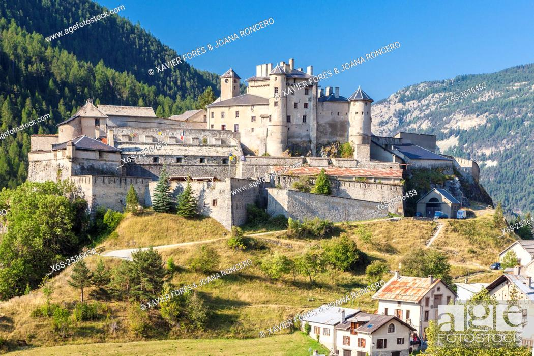 Stock Photo: Château Queyras in the Parc Naturel Régional du Queyras, Hautes-Alpes, Provence-Alpes-Côte d'Azur, France.