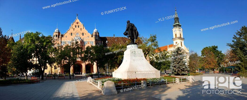 Stock Photo: Main square with Town Hall  Kecskemét , Hungary.
