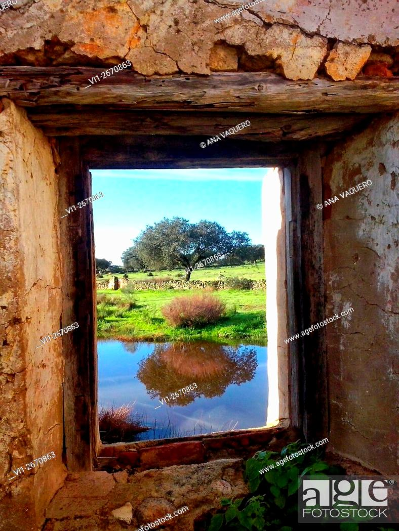 Stock Photo: Window mill, Búrdalo river, miajadas, Cáceres, Extremadura, Spain.
