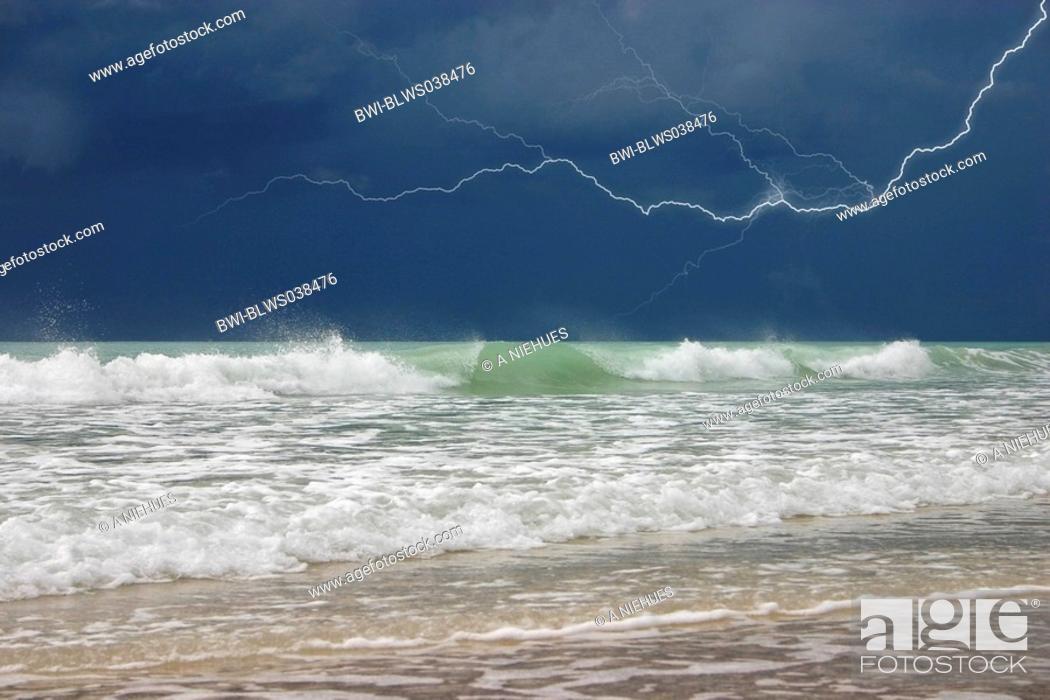 Stock Photo: Storm above Cable Beach, Australia, Western Australia, Kimberley, Broome.