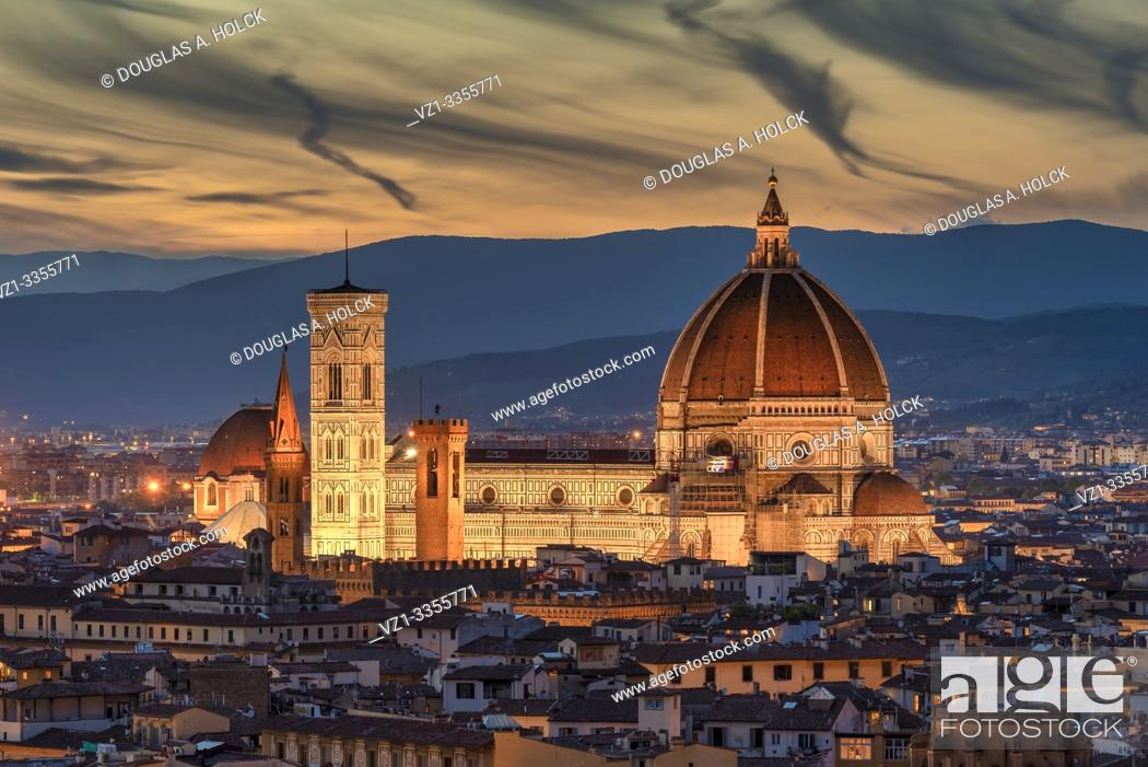 Stock Photo: Sunset on Cathedral of Santa Maria del Fiore (Duomo) in Florence, Italy.