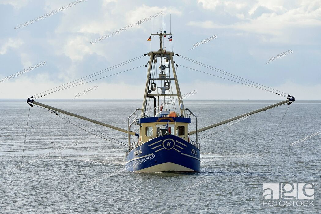 Stock Photo: Fishing boat off Pellworm island, North Frisia, Schleswig-Holstein, Germany.