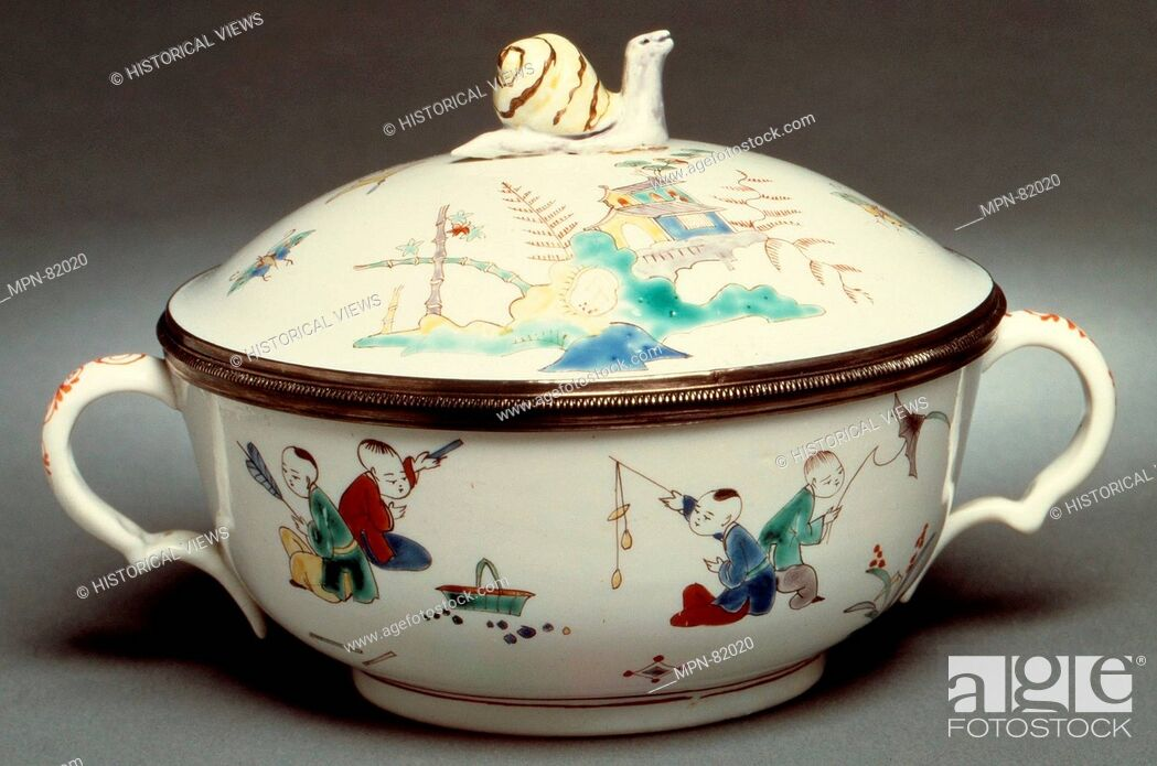 Porringer with cover (Écuelle)  Factory: Chantilly (French)
