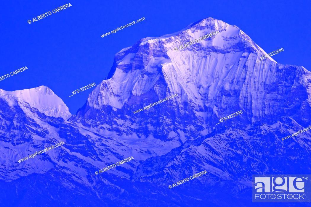 Imagen: Dhaulagiri Massif, Annapurna Range Sunrise, Poon Hill View Point, Ghorepani, Annapurna Conservation Area, Himalaya, Nepal, Asia.