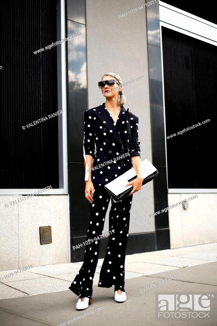 Stock Photo: Blogger Samantha Angelo walking on the street during New York Fashion Week - Sept 8, 2017 - Photo: Runway Manhattan/Valentina Ranieri ***For Editorial Use.